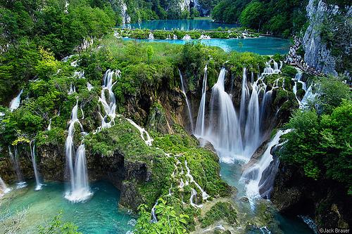 Waterfall-plitvice in Croatia