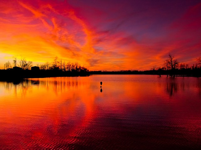 Sunset red:purple reflection