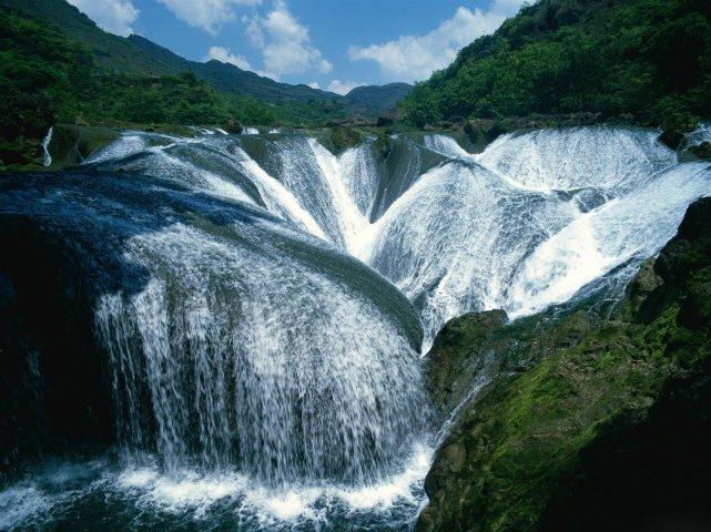 river yangtze www.electrictreehouse.com
