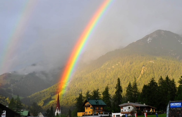 rainbow-church-austria-935-1362427602