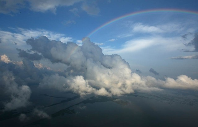rainbow-cloud-935-1362427604