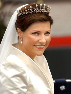 Princess Märtha Louise of Norway wearing (a replica) her great grandmother, Queen Maud's pearl and diamond tiara