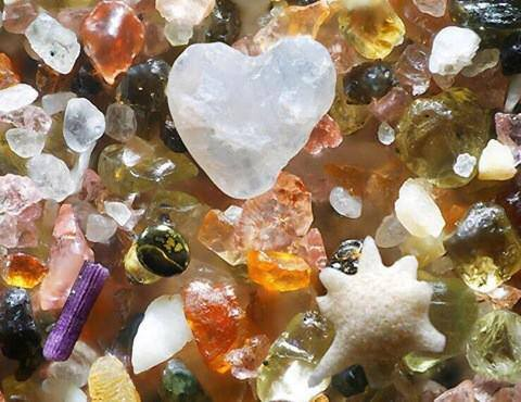 Things are not what they seem: sand magnified