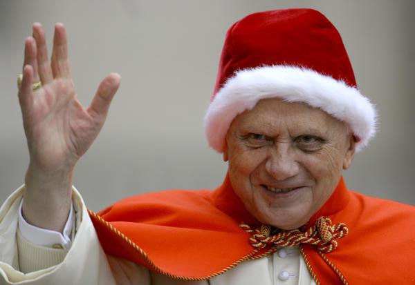 la-ol-pope-benedict-xvis-sartorial-flare-20130-004