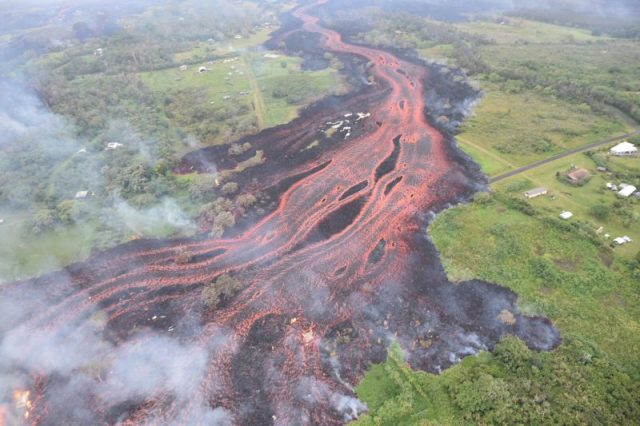 kilauea-5-19-2018-lower-east-rift-zone-e1526807333420